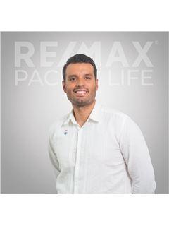 Fabian  Taylor Escobar - RE/MAX Pacific Life