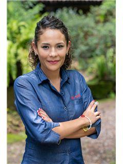 Lourdes Yasmin Arroyo Pedraza - RE/MAX Valle