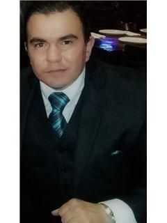 Alvar M. Olivas Calderon - RE/MAX Premier