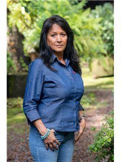 Maria Lorenza  Núñez Bravo - RE/MAX Valle