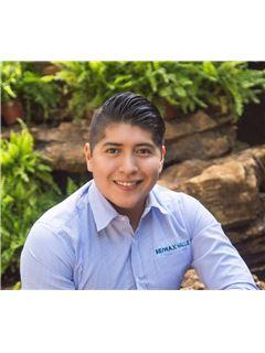 Luis Alberto López Cienfuegos - RE/MAX Valle