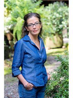 Violeta Burghardt Echeverría - RE/MAX Valle