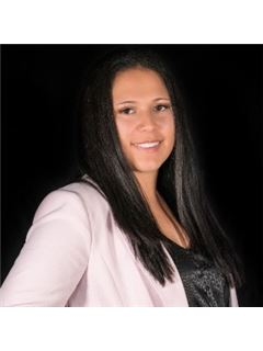 Lacey Coward - RE/MAX Capitol Properties