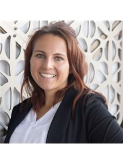 Hailey Riedel - RE/MAX Capitol Properties