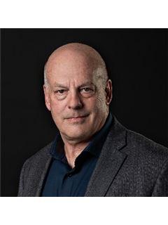 Dave Hough - RE/MAX Executive