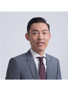 Michael Hsu - RE/MAX 1st Choice