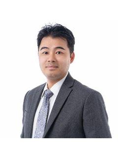 Yi Xiong Zheng - RE/MAX Team