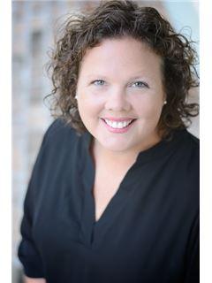 Julie Burks - RE/MAX Real Estate Partners