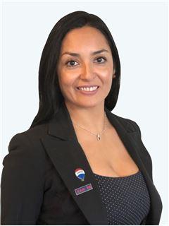 Loreto Tapia Araya - RE/MAX - SELECT