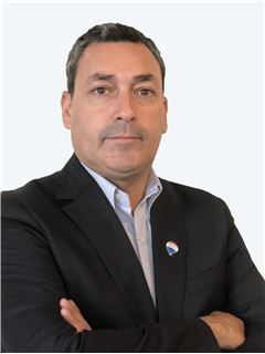 Christopher Muñoz - RE/MAX - SELECT