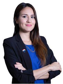 Alejandra Valverde - RE/MAX - SIGNATURE