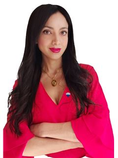 Mabel Oviedo - RE/MAX - SYNERGY