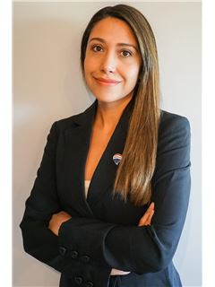 Carolina Carvajal - RE/MAX - SUPREME