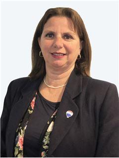 Broker/Owner - Valeria La Luz Novion - RE/MAX - BOSQUES