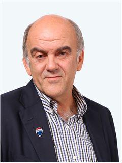 Jorge Ilharreborde Choribit - RE/MAX - CAPITAL