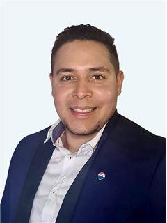 Alejandro Ramos - RE/MAX - EXCLUSIVE