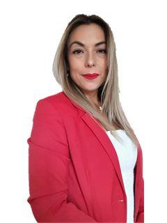 Debora Tapia - RE/MAX - CLASS