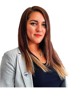 Paola Rodriguez - RE/MAX - REALTY