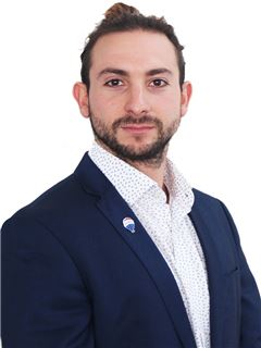 Gabriel Abusada - RE/MAX - FIRST