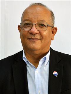 Hugo Quintana - RE/MAX - SIGNATURE