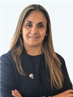 Andrea Salinas Silva - RE/MAX - CAPITAL