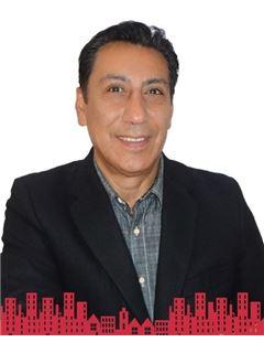 Ricardo Olivares Bathich - RE/MAX - FUTURO II