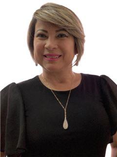 Roxania Ruiz - RE/MAX - FIRST
