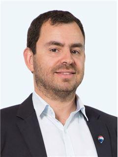 Rodolfo Vergara Correa - RE/MAX - EXCLUSIVE