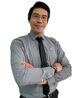 Francisco Hernandez - RE/MAX - SYNERGY