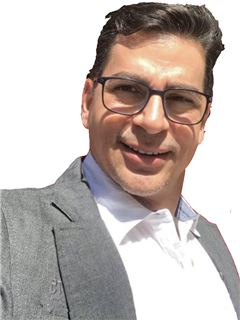 Emiro Andrade - RE/MAX - FIRST