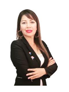 Marina Ceballos - RE/MAX - TITANIO