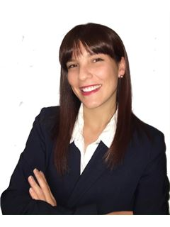 Javiera Escobedo - RE/MAX - GO