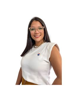 Anaely Roa - RE/MAX - FIRST