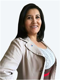 Paola Cisternas - RE/MAX - CLASS