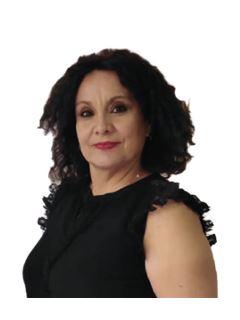 Sandra Guzman - RE/MAX - TITANIO