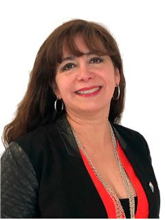 Nancy Carvajal - RE/MAX - TITANIO