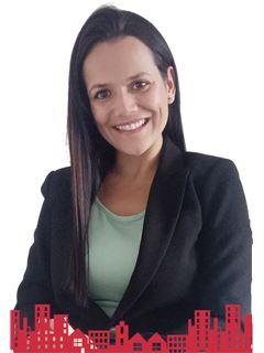 Tannia Suazo Peña - RE/MAX - FUTURO