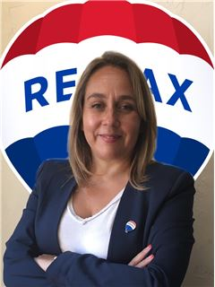 Celia Folsch - RE/MAX - SUPREME