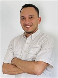 Carlos Acevedo - RE/MAX - CENTRAL