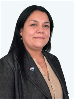 Viviana Jimenez - RE/MAX - ADVANCE