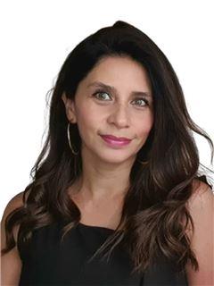 Claudia Peña - RE/MAX - FIRST