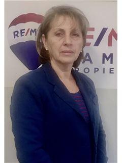 Carmen Castro Alarcon - RE/MAX - FAMILY