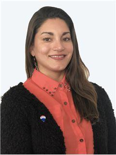 Jacqueline Flores - RE/MAX - CENTRAL