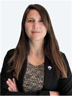 Carolina Villalobos - RE/MAX - GO
