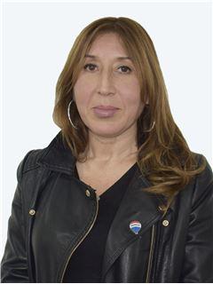 Veronica Riveros Butorovic - RE/MAX - CAPITAL