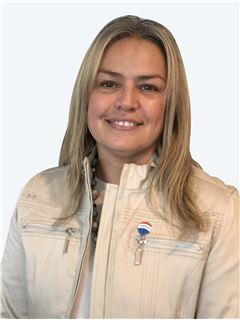 Pamela Miranda - RE/MAX - CAPITAL