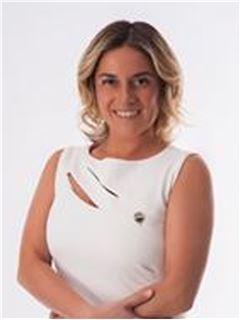 Claudia Sepulveda - RE/MAX - CENTRAL