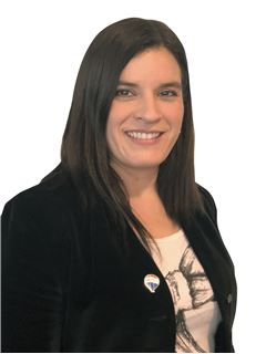Vodja agencije - Claudia Mardones - RE/MAX - FIRST