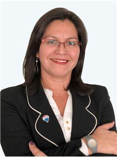 Jessica Ruiz - RE/MAX - SIENNA