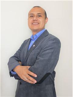 Broker/Owner - Franco Pacheco - RE/MAX - SIGNATURE